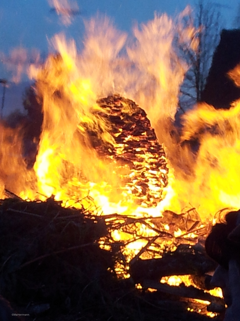 Osterfeuer in Dallgow